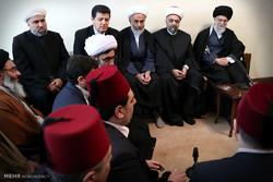 قائد الثورة الاسلامية يستقبل وزير الأوقاف السوري والوفد المرافق له