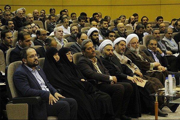 ابتدای حرکت هاباعلم آغاز میشود/تمدن نوین اسلامی؛ هدف غایی انقلاب