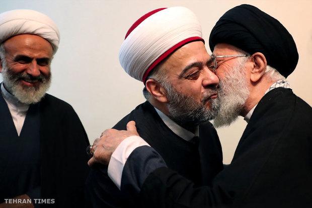 Ayatollah Khamenei meet with Syrian Minister of Endowment