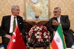 بروجردي يلتقي بنظيره التركي في طهران