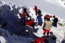 کشف بخش های دیگری از پیکرها در ارتفاعات/ احتمال ریزش بهمن بالا ست