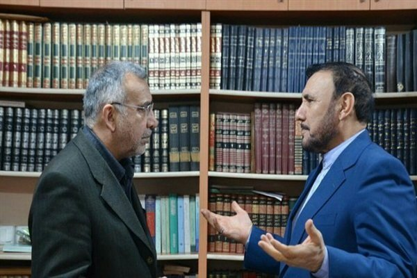 Iran's amb. meets with senior cleric of Turkish Shias
