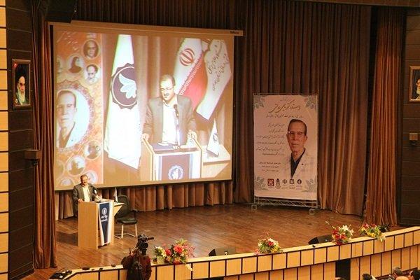 بنیاد نخبگان جامعه فرهیخته استان همدان را به کشور معرفی کند