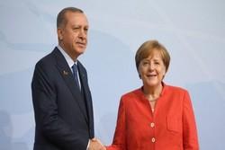 Türk Dışişleri'nden Merkel'e 'terör' suçlaması