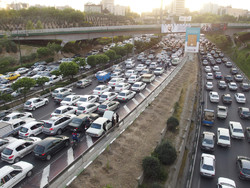 Number of cars in Tehran 5 times above capacity: police chief