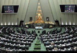 MPs reprove Zarif over Le Drian visit