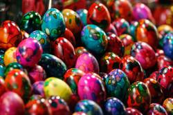 خرید شب عید- تخم مرغ رنگی - کراپشده