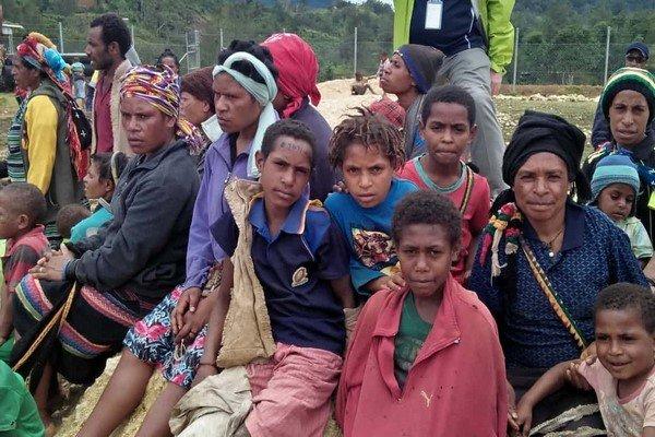 شمار قربانیان زلزله گینه نو به ۱۰۰ نفر رسید
