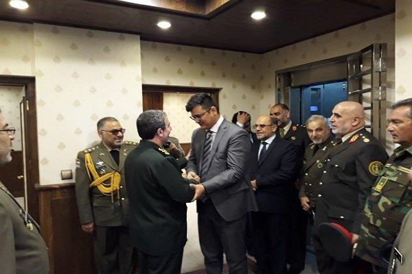 مساعد رئيس اركان القوات المسلحة الايرانية يستقبل مساعد وزير الدفاع الافغاني