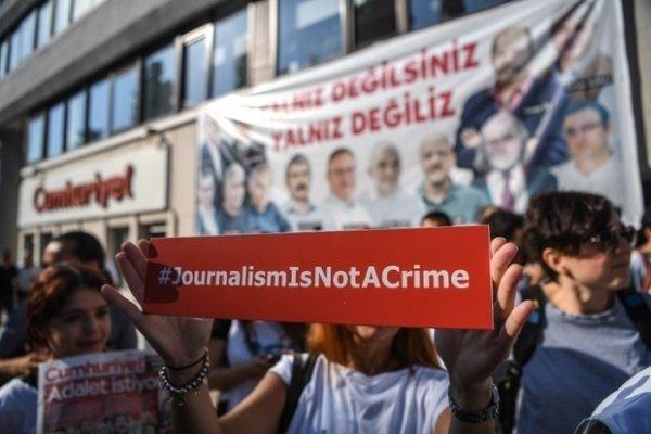 دادگاهی در  ترکیه ۲۵ روزنامه نگار را به حبس محکوم کرد