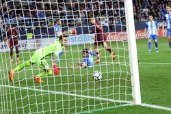 برشلونة يريح أعصابه قبل قمة تشيلسي بثنائية في ملقا