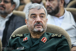 Revolutionary guards to strike enemies like lightning: IRGC chief