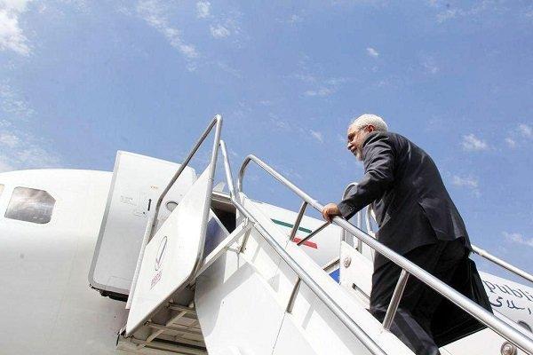 ظريف يغادر سنغافورة عائداً إلى طهران