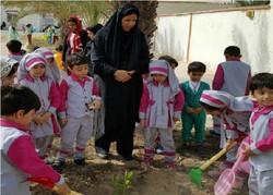 فرهنگ کاشت نهال در بین کودکان نهادینه شود