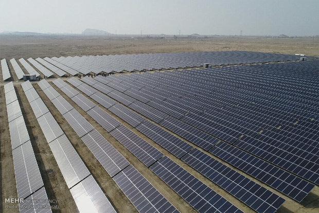 ۵۲۰نیروگاه خورشیدی مددجویان کمیته امدادکرمان به بهره برداری رسید