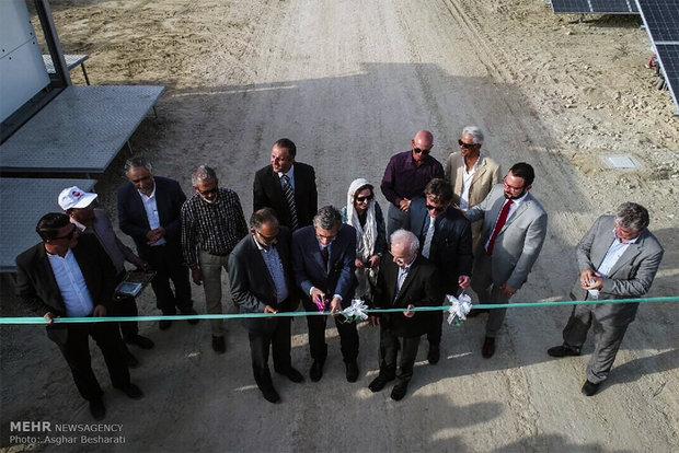 افتتاح نیروگاه خورشیدی ۱۰ مگاواتی در جزیره قشم