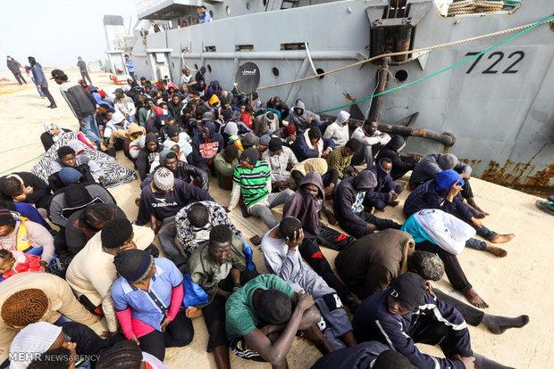 نجات پناهجویان از آب های لیبی