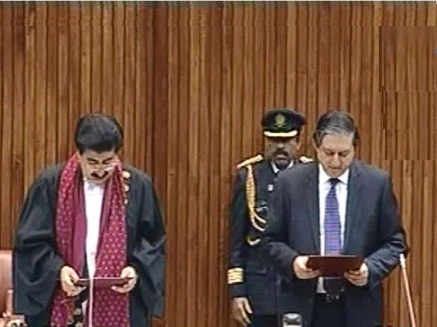 پاکستان میں اپوزیشن جماعتوں کے امیدوار صادق سنجرانی سینیٹ چیئرمین منتخب