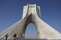 قائدا القوة البحرية العراقية والسورية يصلان الى طهران