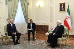 روحاني يوجه دعوة رسمية لنظيره الاذربيجاني