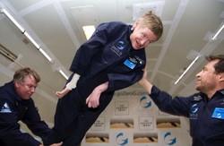 صدای استیون هاوکینگ به فضا فرستاده میشود
