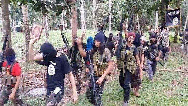 """""""دواعش"""" مغاربة من العراق وسوريا الى جنوب الفلبين"""
