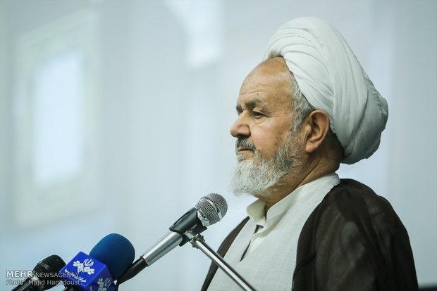 ملت ایران اجازه ندهد زمینه عقب نشینی فراهم شود/شکست فتنههای دشمن