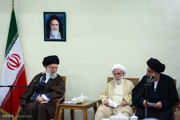 لقاء قائد الثورة الاسلامية بأعضاء مجلس خبراء القيادة