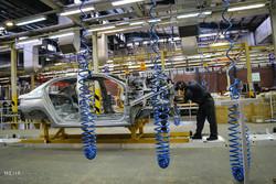 بازدید وزیر صنعت از خط تولید پژو 301