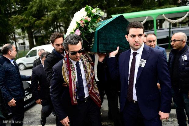 تشییع جنازه قربانیان سقوط هواپیمای ترک