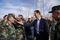 بشار الأسد يتفقد الجيش السوري على جبهة الغوطة /صور