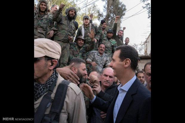 بشار الأسد يتفقد الجيش السوري على جبهة الغوطة