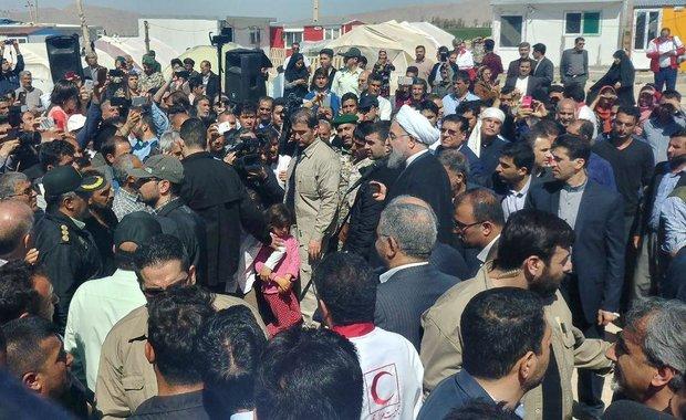 روحانی در جمع زلزله زد