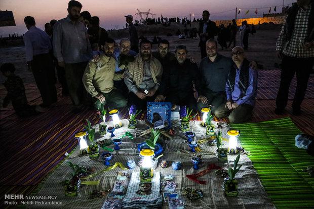 تحویل سال نو در گلزار شهدای آبادان و شلمچه در خرمشهر