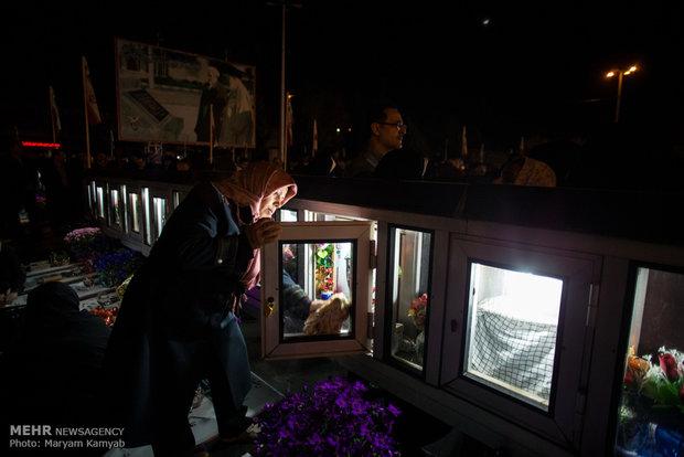تحویل سال در مزار شهدای قزوین