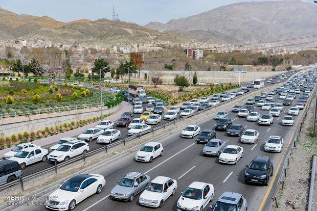 تصاویر/ ترافیک محورهای ورودی جاده چالوس و بزرگراه البرز - قزوین