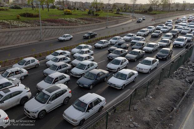 هراز و کندوان یکطرفه و با ترافیک سنگین همراه است