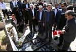جهانغيري يقوم باداء مراسم تكريم شهداء في كرمان