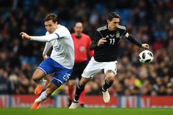 برد آرژانتین مقابل ایتالیا در غیاب مسی/ ادامه بحران در آتزوری