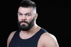 """İranlı boksör """"Polonya ayısı""""nı yere serdi"""
