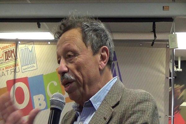 Iran active regional player in fighting against terrorism: Jewish author