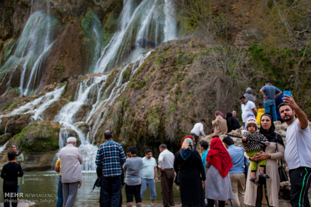 Nowruz holidaymakers visit Bisheh Fall in Lorestan Province