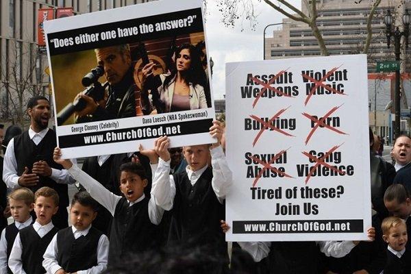 مسيرات حاشدة بأنحاء أمريكا للمطالبة بفرض قيود على الأسلحة