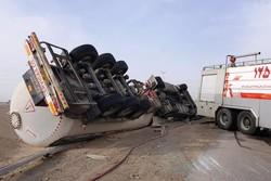تانکر حمل گاز در اهواز واژگون شد/محبوس شدن راننده
