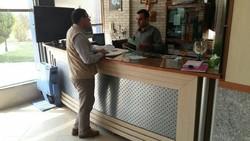 بازرسان صنفی با حکم ماموریت به دفاتر خدمات مسافرتی مراجعه می کنند
