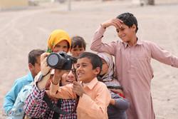 Nevruz günlerinde halka yardım eden vatandaşlar