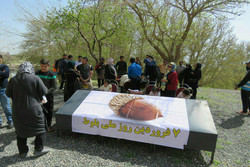 مراسم بزرگداشت روز ملی بلوط در محوطه جهانی بیستون برگزار شد