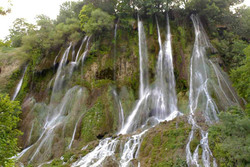 آبشارهای زیبا را در «اخلمد» ببینید/ طبیعت چشم نواز در چناران