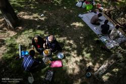 حضور هزاران گردشگر در تفرجگاه ها و بوستان های شمال تهران