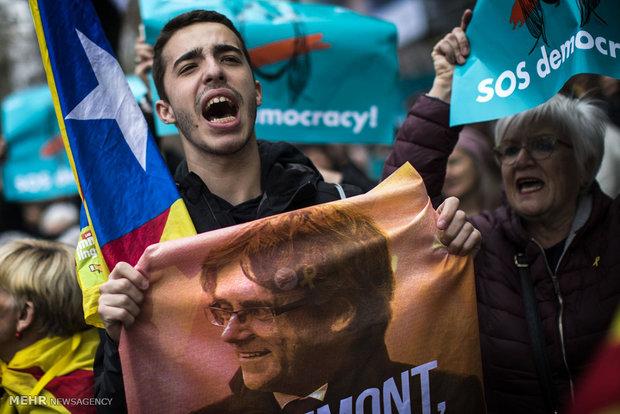 تظاهرات علیه بازداشت رهبر کاتالان